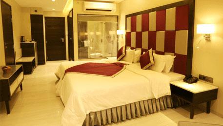The-Flora-Grand-Rooms-Premium-Room